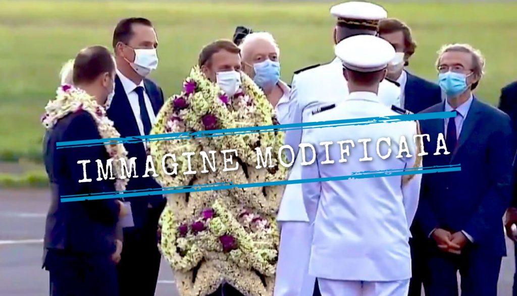 Macron è stato coperto da corone di fiori, ma meno di quanto mostra questo scatto